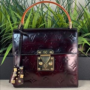 Authenticated Louis Vuitton Spring Street Vernis